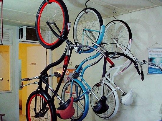 Hostel Marina dos Anjos: Bicicletas