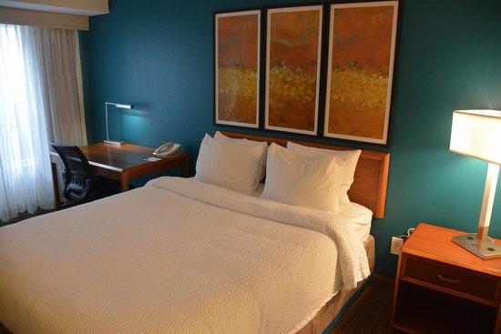 Residence Inn Cincinnati Airport : Bedroom