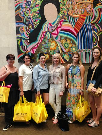 Style Room NYC Shopping Tour Experiences: Fun Australians