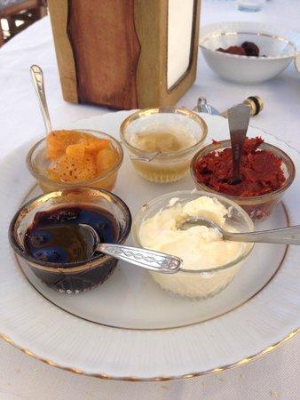 Kismet Cave House: Amazing breakfast