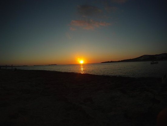 Florencio Hostal: sunset strip