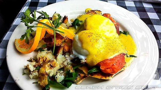 The Kettle: Smoked Salmon Benedict