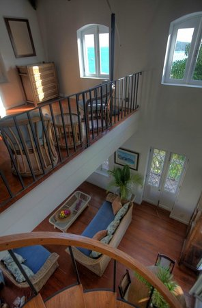 Villa Santana: La Mansion-loft bedroom, seating area looking down to living room