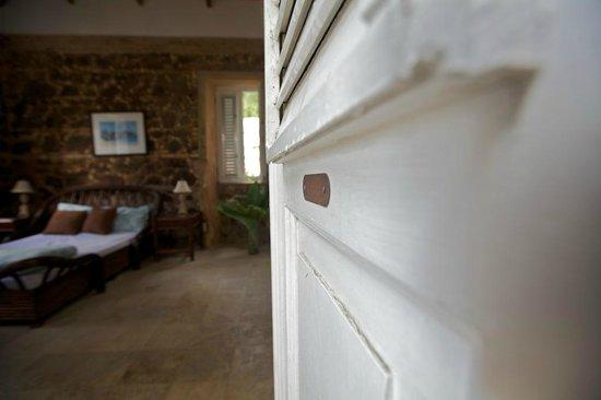 Villa Santana: La Piedra-front door leading into bedroom