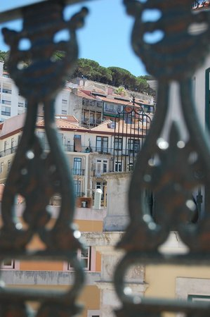 Portugal Boutique Hotel : looking through the iron rails from bedroom window
