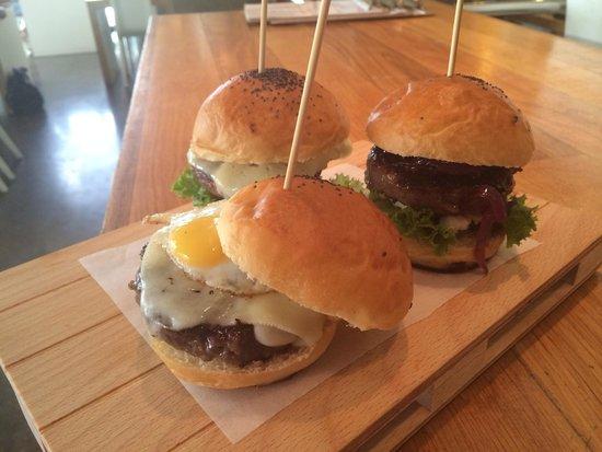 Mar Cuatro : Mini hamburguesas de buey