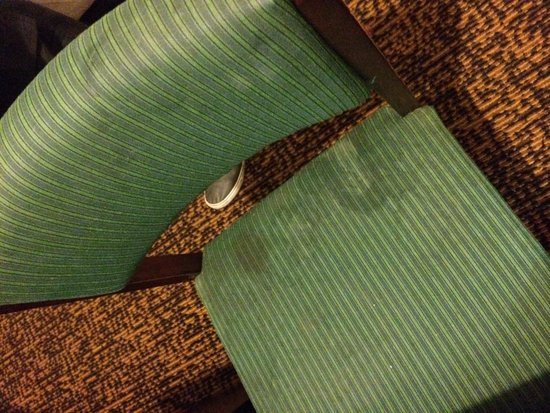 Microtel Inn & Suites by Wyndham Baton Rouge I-10: The lovely chair in room 122