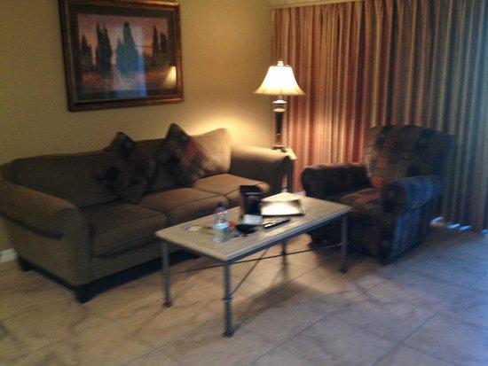 WorldQuest Orlando Resort: Living Room