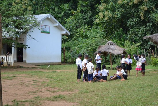 Green Discovery Laos: Village school