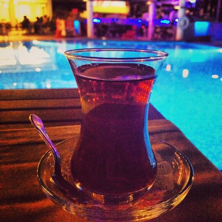 Grand Okan: Turkish tea by the pool after dinner.
