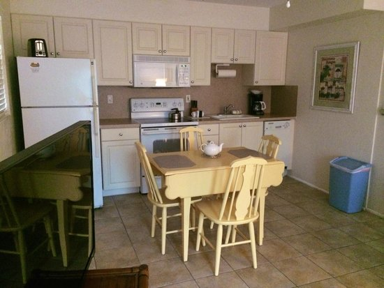 "Venice Beach Villas: The ""charming"" kitchen in my 1 bedroom Villa - so cute!"