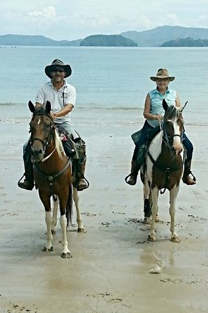Casagua Horses Tours : Esteban and Kay - Owners and Guides