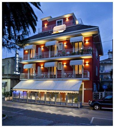 Hotel Lo Squalo: Hotel