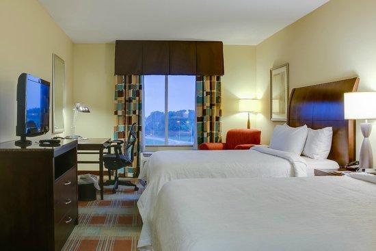 Hilton Garden Inn Clarksville: Guest Room