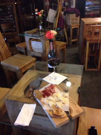 In Vino: Nice Wine bar in Yerevan for a good glass of wine and a light snack.