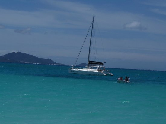 Simpson Bay, St Marteen/St. Martin : Anchored in Angulla