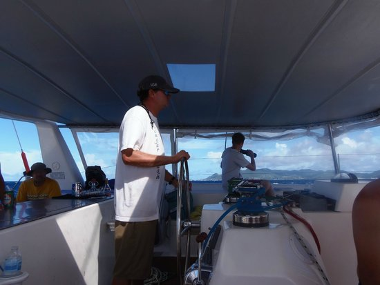 Simpson Bay, St Marteen/St. Martin : Captain at work