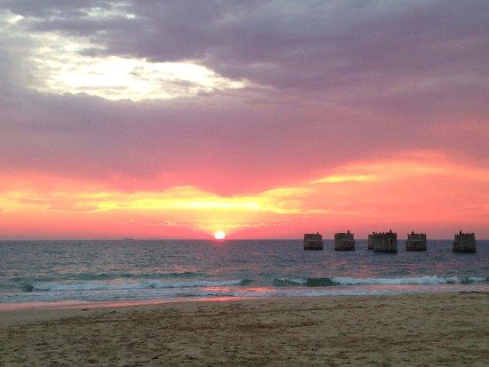Beachwalk Bed and Breakfast: Sunrise in the beach