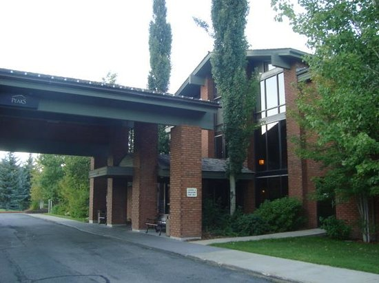 Park City Peaks Hotel : The outside of the hotel