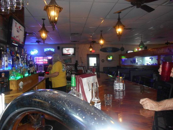 Victorio's Oyster Bar and Grille: NICER INSIDE THAN OUT