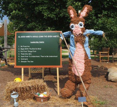 Huntsville Botanical Garden: Rabbit Scarecrow