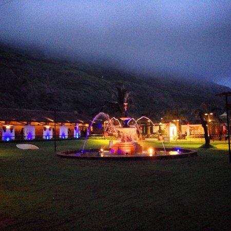 Della Adventure Resorts: Fountain at night