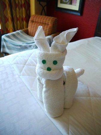 Pier House 60 Marina Hotel: Towel animals