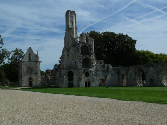 Abbaye de Chaalis: Ruined Abbey