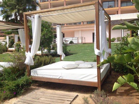 SENSIMAR Isla Cristina Palace & Spa : Cama balinesa
