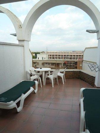 Hotel Golden Port Salou: terraza de la habitación 707