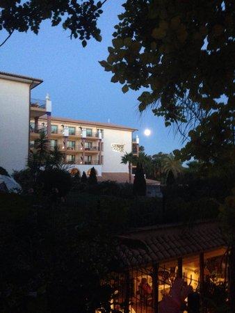 SENSIMAR Isla Cristina Palace & Spa : Súper luna desde la habitación
