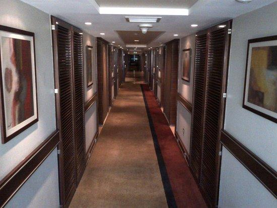Crowne Plaza Hotel Amman: Hallway Floor 6