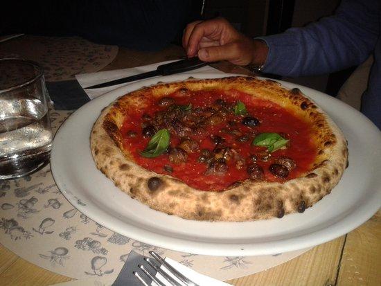 QBio Forlì: pizza con capperi e alici