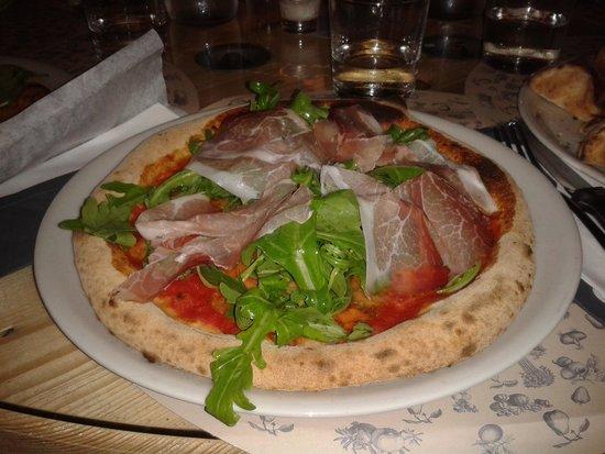 QBio Forlì: pizza con speck e rucola