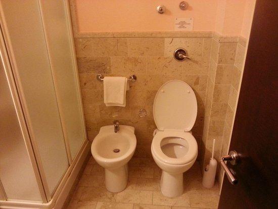 Badia Nuova Residence: bathroom nice and clean