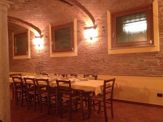 Corte Colombarola: Il ristorante prima di mangiare