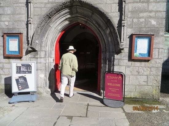 St. Nicholas' Collegiate Church: Entrance to St. Nicholas Church