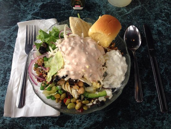 Warren's Lobster House: Salad bar included with most meals except sandwiches. Nice simple place