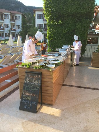 Alize Hotel: outdoor cooking