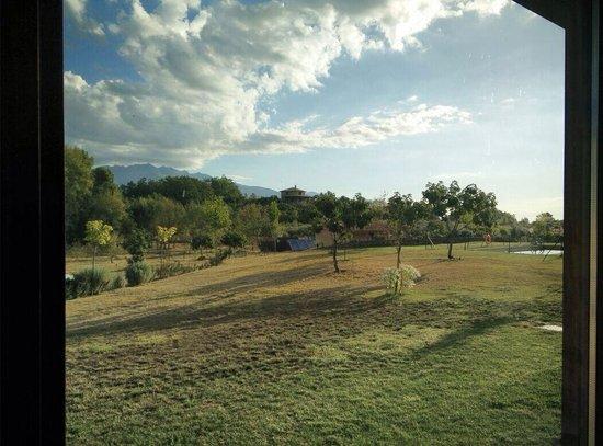 Hotel Rural Llano Tineo: Vista desde uno de los ventanales de la habt 1