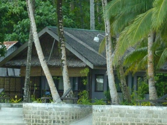Eddie's Beach Resort Siargao : beach bungalow