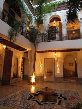 Riad Viva: Vue centre Riad 2