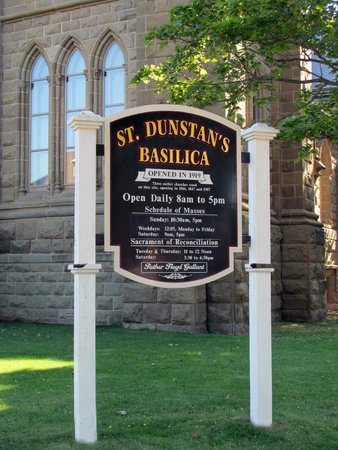 St. Dunstan's Basilica: The sign with details