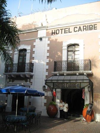 Caribe Hotel: La façade de l'hôtel