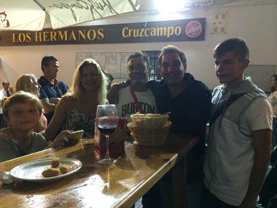 Bar Los Hermanos: Por conilll!!!