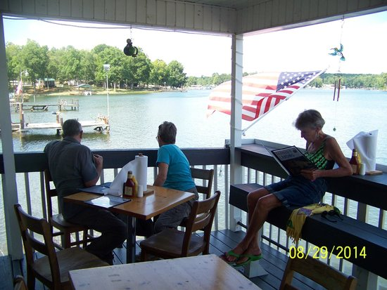 Skippers On Lake Greenwood: Watching the fish and turtles is fun, but some are interested in ordering some food.