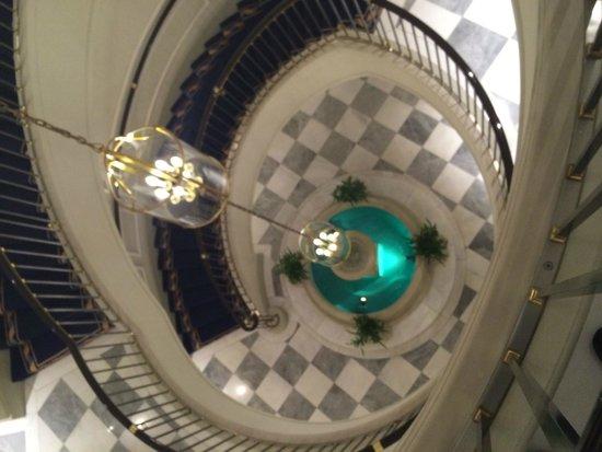 Excelsior Hotel Ernst : Spiral Staircase