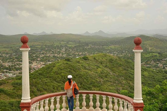 Hill of the Cross (Loma de la Cruz): A great view from the top!