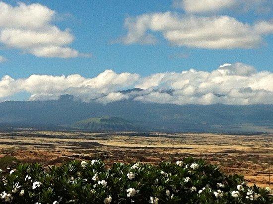 Paniolo Greens Resort: View of Mauna Kea Volcano  from Waikaloa