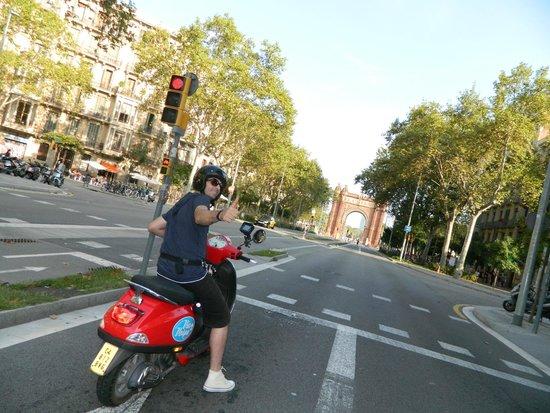 Via Vespa Rent a scooter : rossooooooooooo